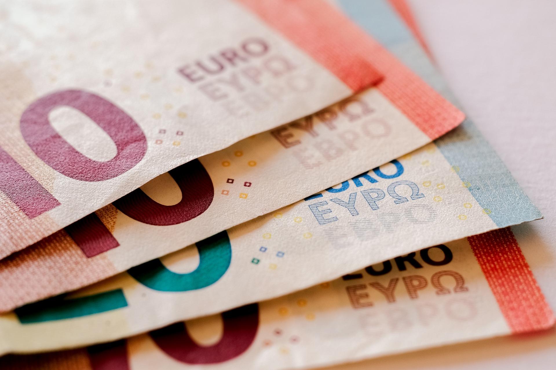 money-2259045_1920